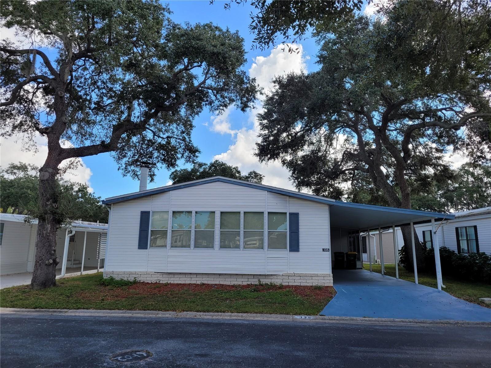 135 OAKWOOD LANE, Sarasota, FL 34237 - #: A4515052