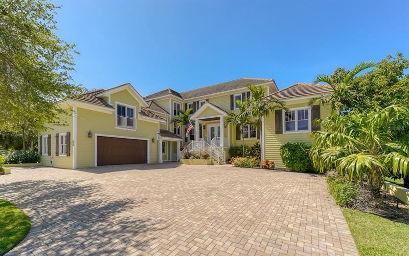 490 ISLAND CIRCLE, Sarasota, FL 34242 - #: T3305052