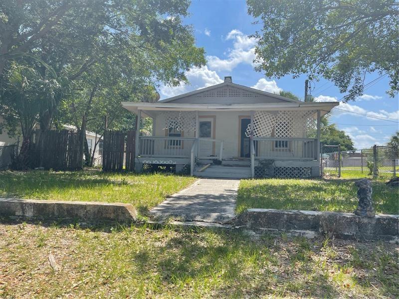 8501 N 11TH STREET, Tampa, FL 33604 - MLS#: T3304054