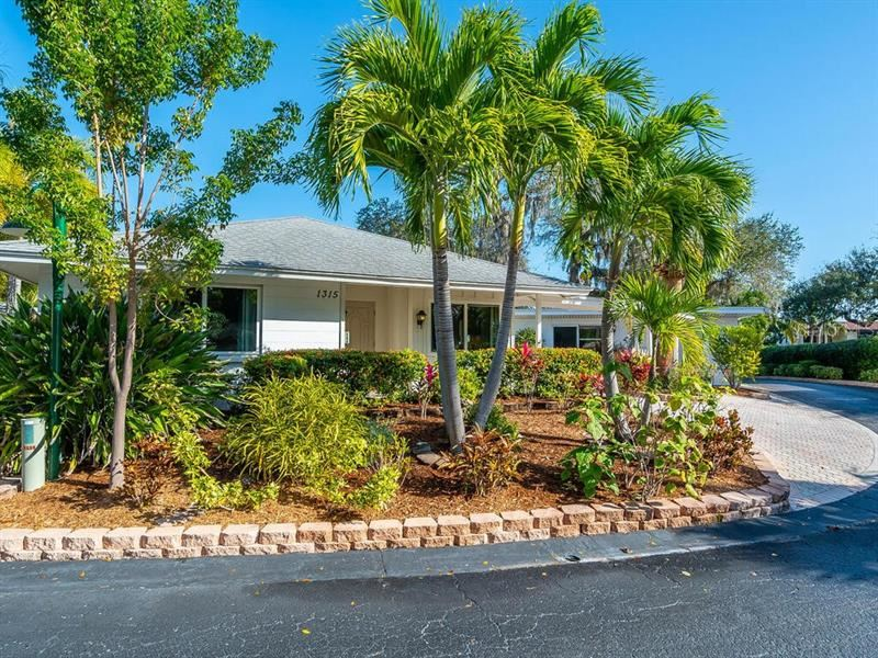 Photo of 1315 MOONMIST DRIVE #G-10, SIESTA KEY, FL 34242 (MLS # A4478058)