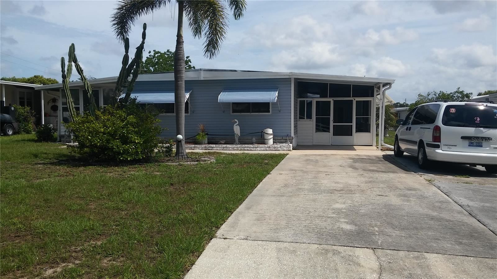 241 LAKE TARPON DRIVE #24, Palm Harbor, FL 34684 - #: U8126058