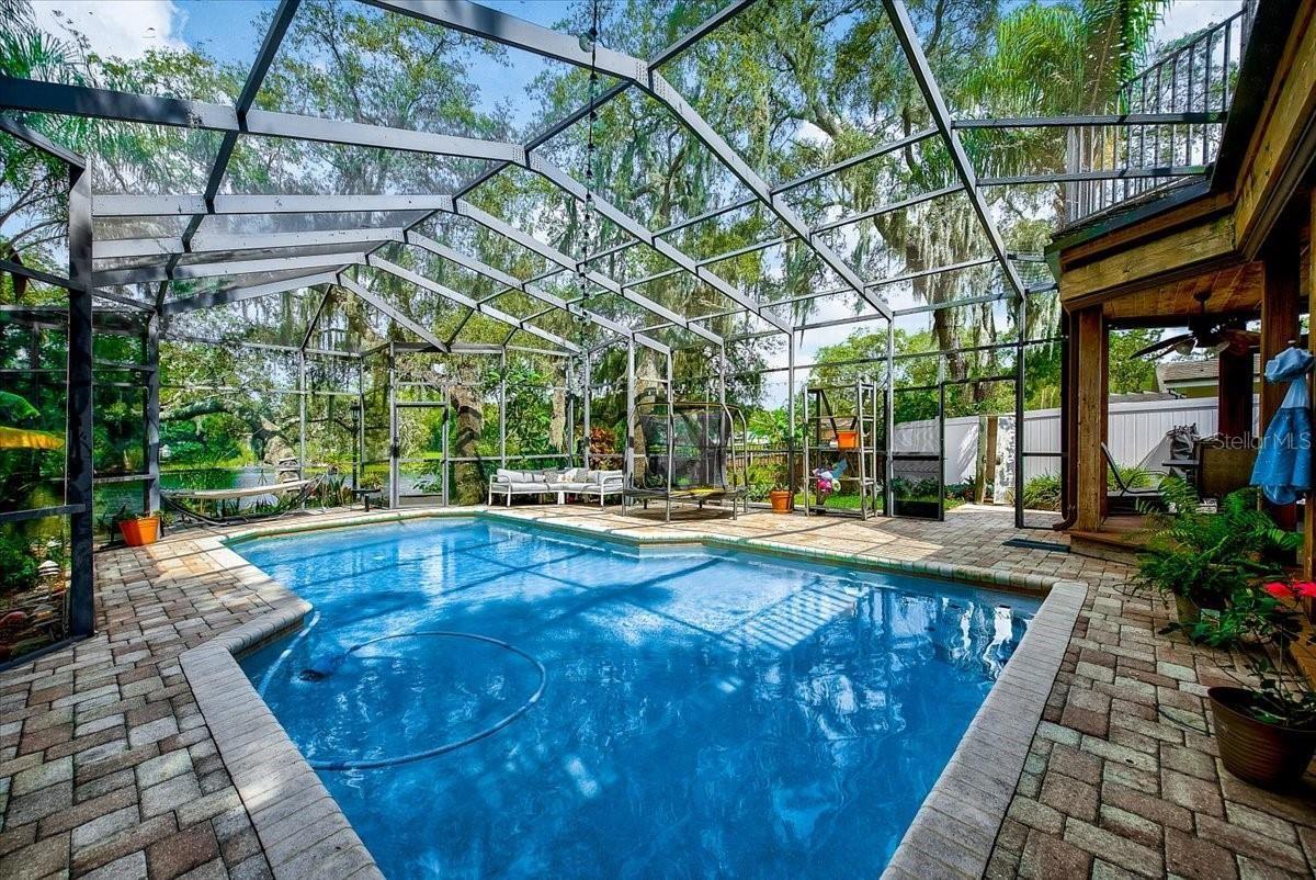 Photo of 13305 N OREGON AVENUE, TAMPA, FL 33612 (MLS # T3314061)