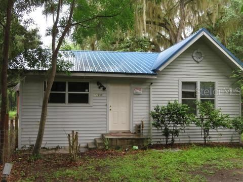 Photo of 13955 S HWY 25, OCKLAWAHA, FL 32179 (MLS # OM616063)
