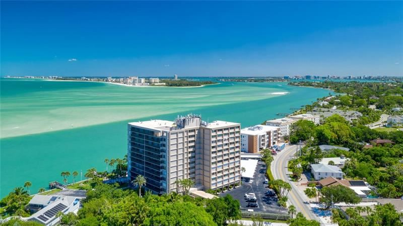 Photo of 4822 OCEAN BOULEVARD #8C, SARASOTA, FL 34242 (MLS # A4437071)