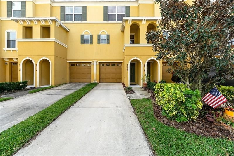 Photo of 8720 SPRUCE HILLS COURT, LAKEWOOD RANCH, FL 34202 (MLS # A4462077)
