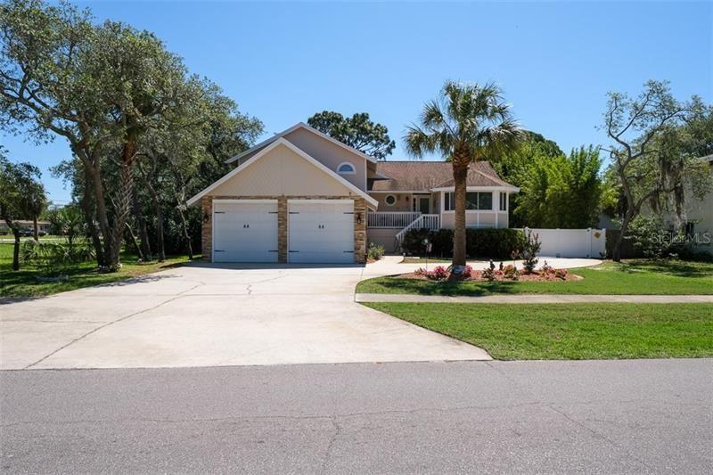814 RIVERSIDE DRIVE, Tarpon Springs, FL 34689 - MLS#: U8083077