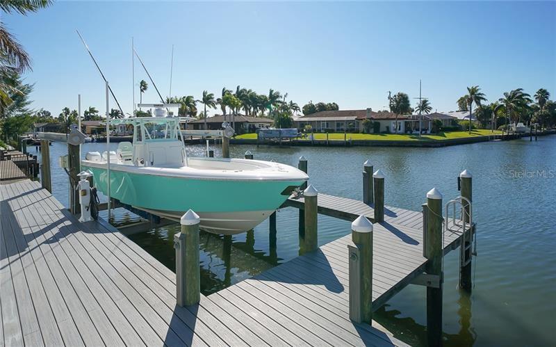 Photo of 688 KEY ROYALE DRIVE, HOLMES BEACH, FL 34217 (MLS # A4483078)
