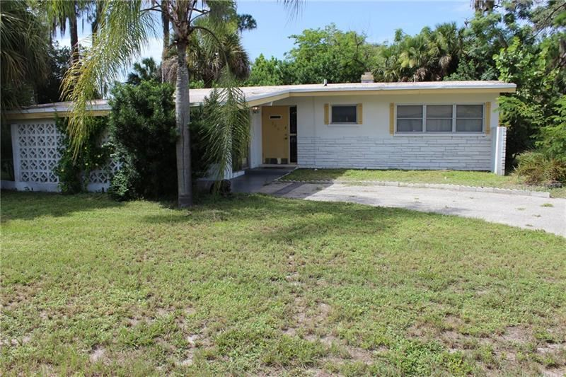 Photo of 340 TIMBRUCE LANE NW, PORT CHARLOTTE, FL 33952 (MLS # D6113082)