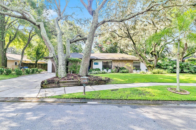 1206 BEACON HILL DRIVE, Tampa, FL 33613 - MLS#: T3310086