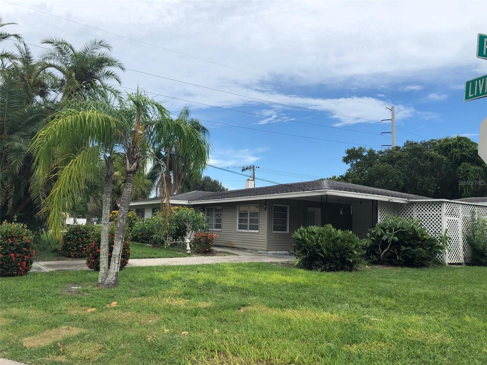 1756 LIVINGSTONE ST, Sarasota, FL 34231 - #: A4508088