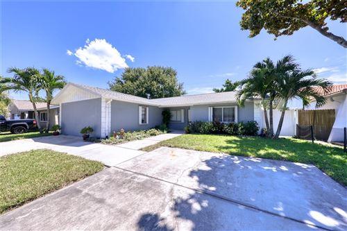 Photo of 5509 WESTCHESTER BOULEVARD N, ST PETERSBURG, FL 33709 (MLS # U8132089)