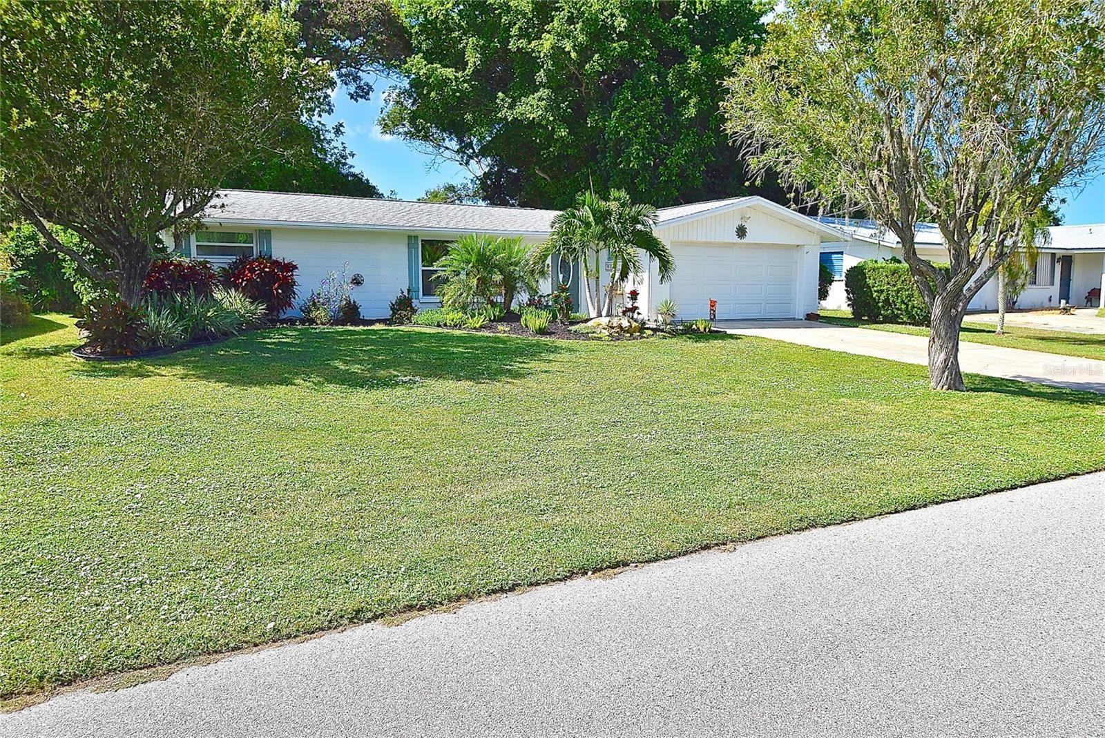 Photo of 1405 E GATE DRIVE, VENICE, FL 34285 (MLS # N6118090)