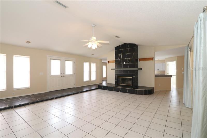 Photo of 2880 48TH WAY E, BRADENTON, FL 34203 (MLS # A4471094)