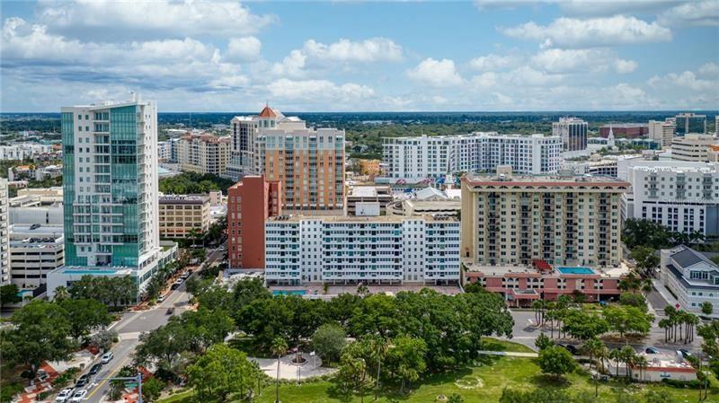 Photo of 33 S GULFSTREAM AVENUE #405, SARASOTA, FL 34236 (MLS # A4489097)
