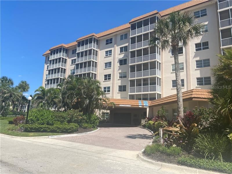 Photo of 800 BENJAMIN FRANKLIN DRIVE #504, SARASOTA, FL 34236 (MLS # A4467099)