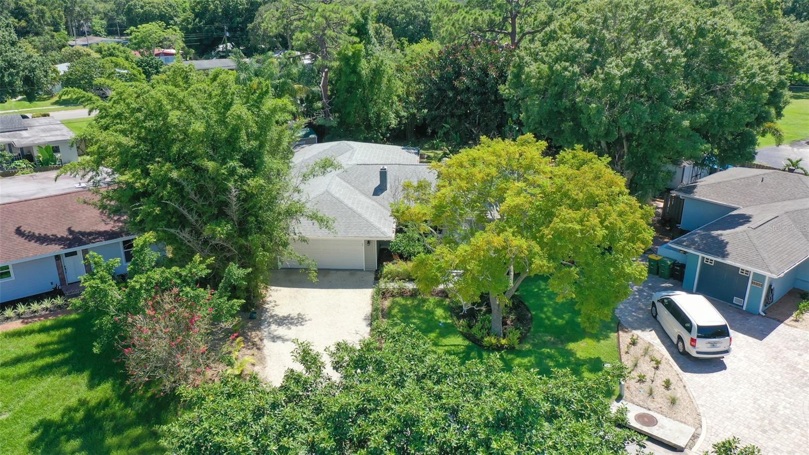 Photo of 1346 LOMA LINDA COURT, SARASOTA, FL 34239 (MLS # A4509099)