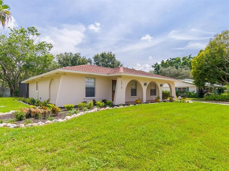1914 HILLSDALE PLACE, Sarasota, FL 34231 - #: A4481101