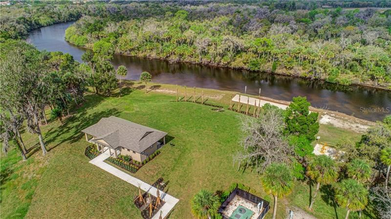Photo of 952 WHIMBREL RUN, BRADENTON, FL 34212 (MLS # R4903104)
