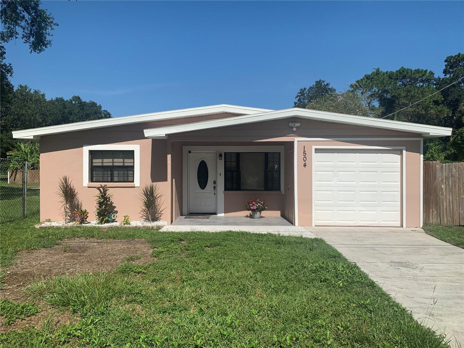 1504 MAYDELL DRIVE, Tampa, FL 33619 - MLS#: A4508110