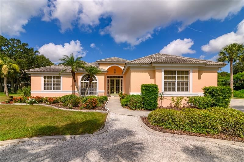 Photo of 2810 HERMITAGE BOULEVARD, VENICE, FL 34292 (MLS # A4473112)