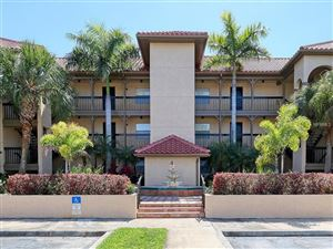 Photo of 2400 FEATHER SOUND DRIVE #422, CLEARWATER, FL 33762 (MLS # U8044113)