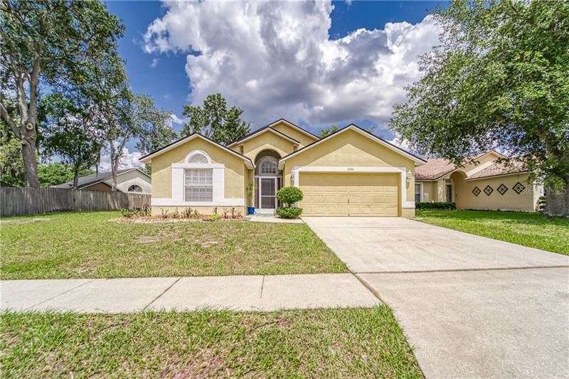 2504 SIENA WAY, Valrico, FL 33596 - #: T3243113