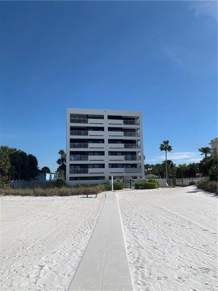 Photo of 1001 POINT OF ROCKS ROAD #611, SARASOTA, FL 34242 (MLS # A4489114)