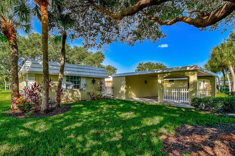 Photo of 5932 DRIFTWOOD AVENUE #17, SARASOTA, FL 34231 (MLS # A4478120)