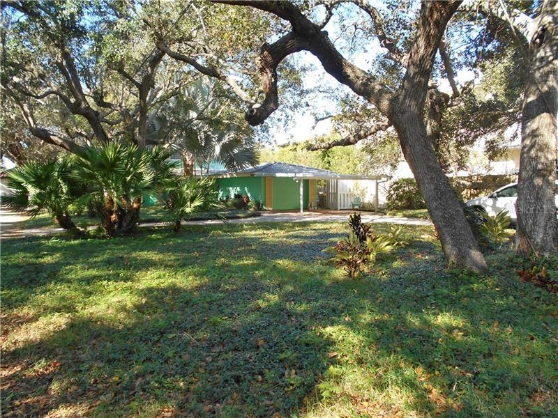 Photo of 2626 CARDINAL PLACE, SARASOTA, FL 34239 (MLS # A4487121)