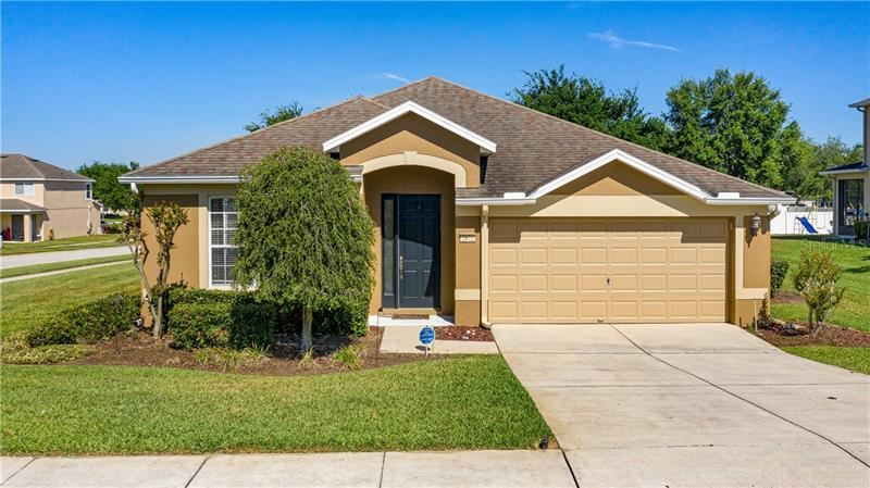 Photo of 2872 COLUMBUS AVENUE, CLERMONT, FL 34715 (MLS # G5028122)
