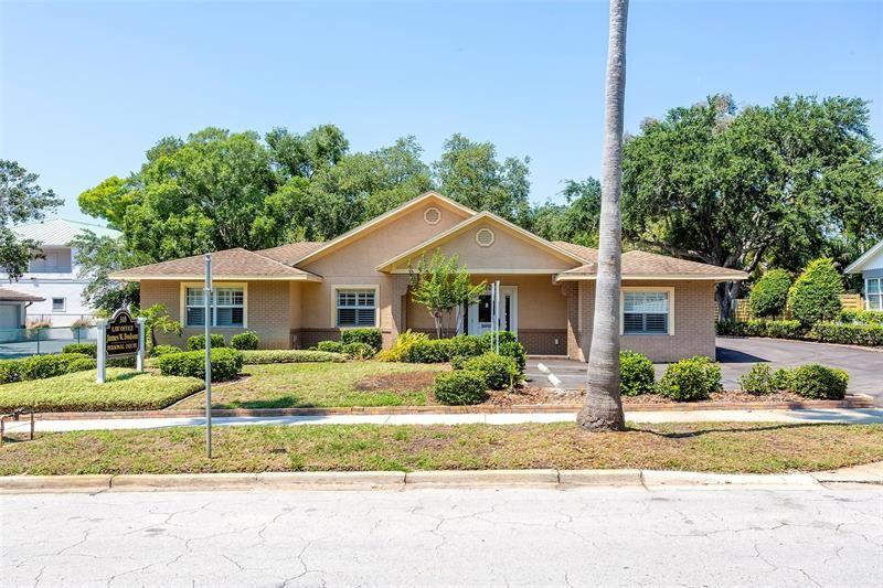 Photo of 310 WILDWOOD WAY, BELLEAIR, FL 33756 (MLS # U8122123)