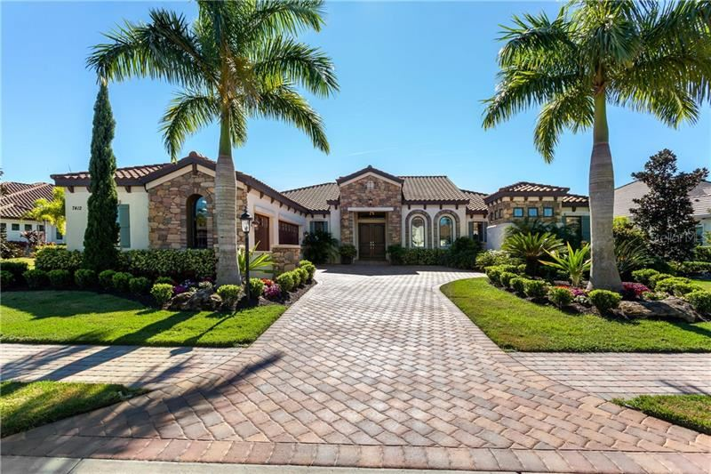 Photo of 7412 SEACROFT COVE, LAKEWOOD RANCH, FL 34202 (MLS # A4455127)