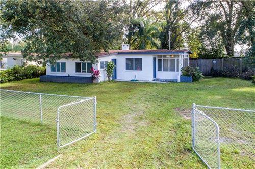 Photo of 827 PINEDALE AVENUE, ORLANDO, FL 32808 (MLS # G5035132)