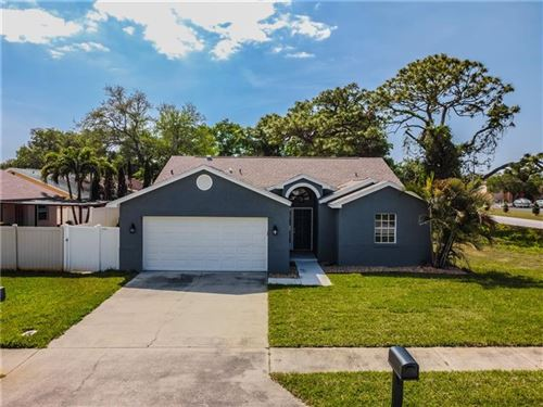 Photo of 2520 SOUTHERN OAK CIRCLE, CLEARWATER, FL 33764 (MLS # U8119132)