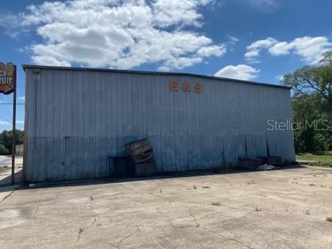 Photo of 16590 S HWY 25, WEIRSDALE, FL 32195 (MLS # OM619133)