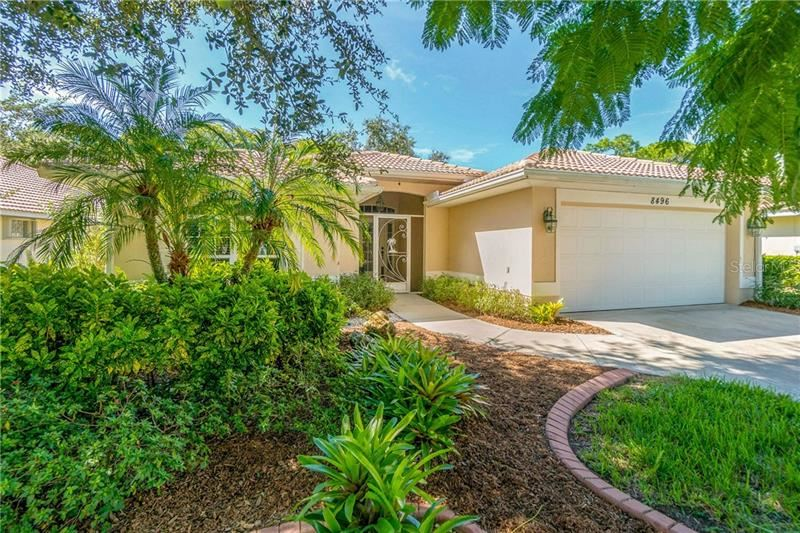 Photo of 8496 GATEWAY COURT, ENGLEWOOD, FL 34224 (MLS # D6114133)
