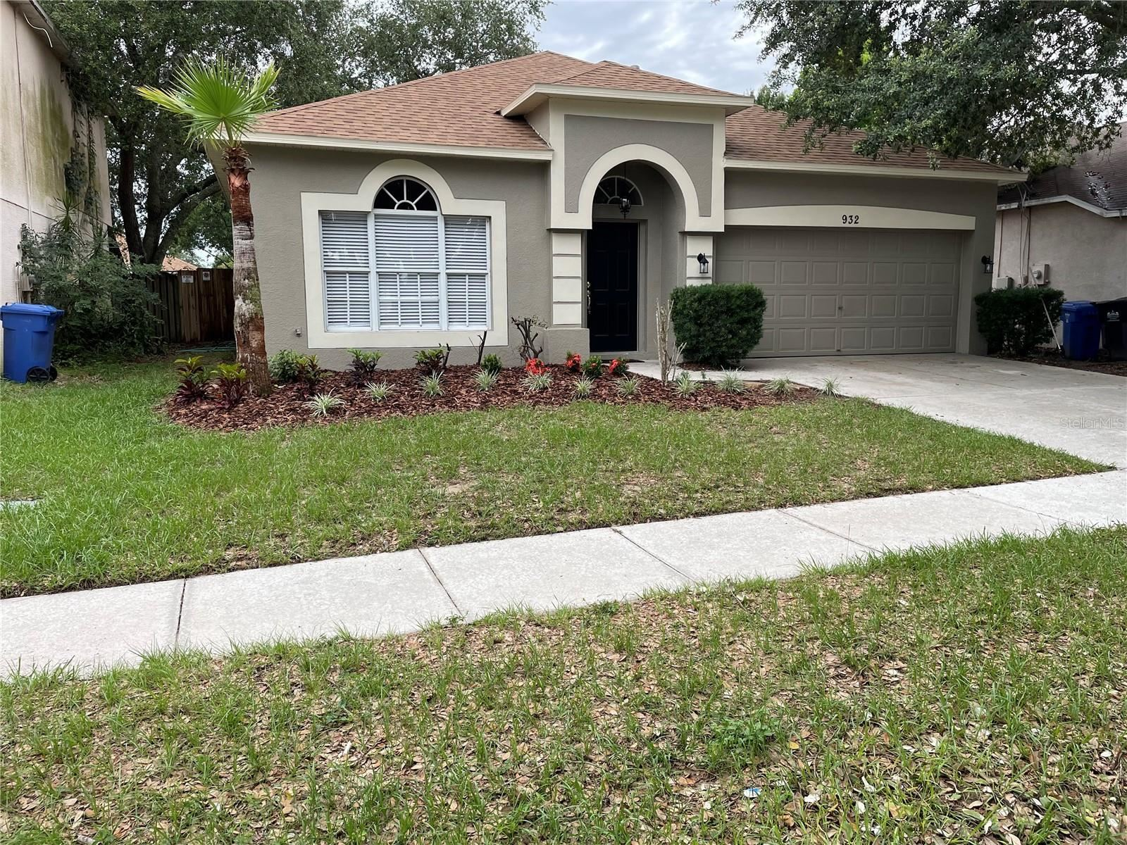 Photo of 932 GRAND CANYON DRIVE, VALRICO, FL 33594 (MLS # T3313139)