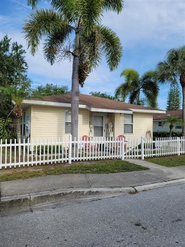 Photo of 1118 5TH AVENUE DRIVE W, PALMETTO, FL 34221 (MLS # T3305140)