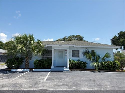 Photo of 1215 LAKEVIEW ROAD, CLEARWATER, FL 33756 (MLS # U8091140)