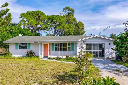 Photo of 1 HARWICH CIRCLE, ENGLEWOOD, FL 34223 (MLS # T3277148)