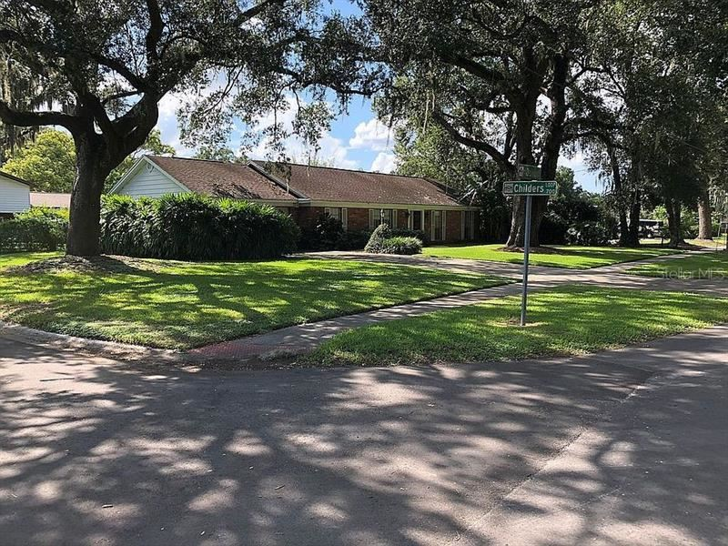 708 S OAKWOOD AVENUE, Brandon, FL 33511 - #: A4481150