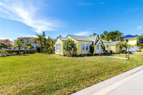 Photo of 14000 VIVIAN DRIVE, MADEIRA BEACH, FL 33708 (MLS # U8077155)