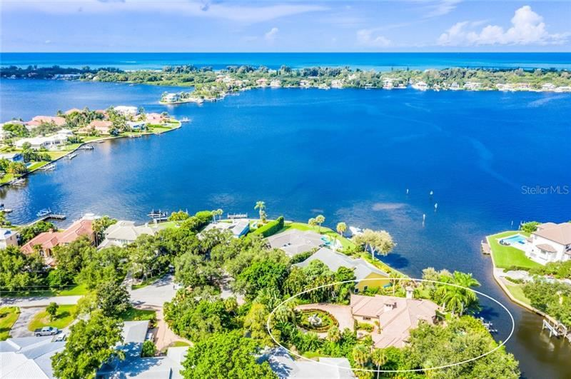 Photo of 7303 PERIWINKLE DRIVE, SARASOTA, FL 34231 (MLS # A4438156)