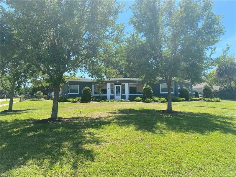 Photo of 4 E CREST AVENUE, WINTER GARDEN, FL 34787 (MLS # O5938157)