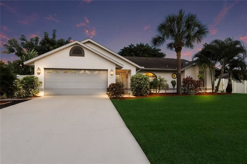 Photo of 6611 32ND AVENUE W, BRADENTON, FL 34209 (MLS # A4471161)