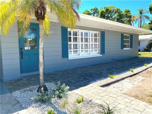 Photo of 108 FIELD AVENUE W, VENICE, FL 34285 (MLS # A4464163)