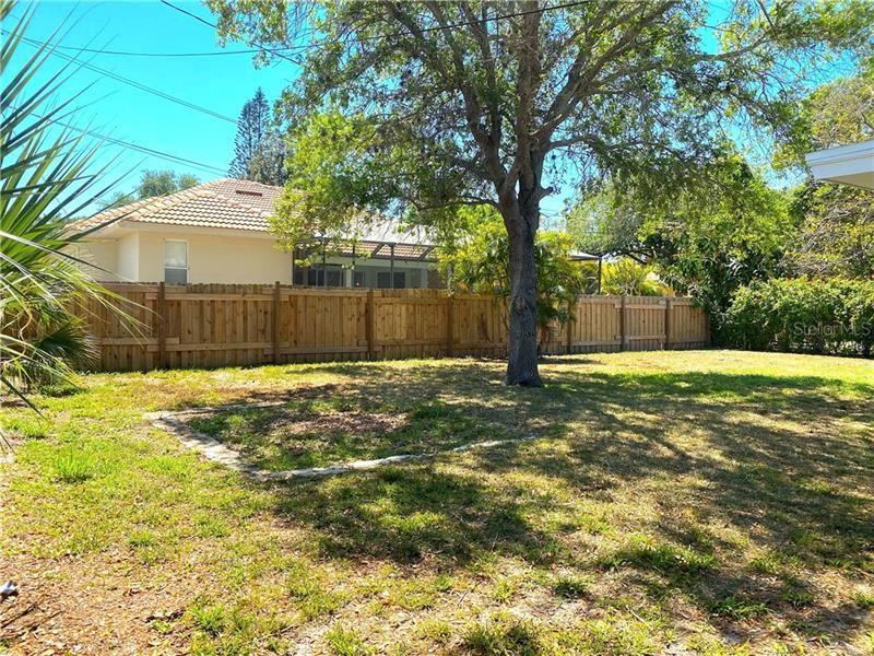 Photo of 108 FIELD AVENUE W, VENICE, FL 34285 (MLS # A4464163)