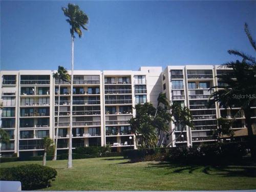Photo of 100 OAKMONT LANE #404, BELLEAIR, FL 33756 (MLS # U8089164)