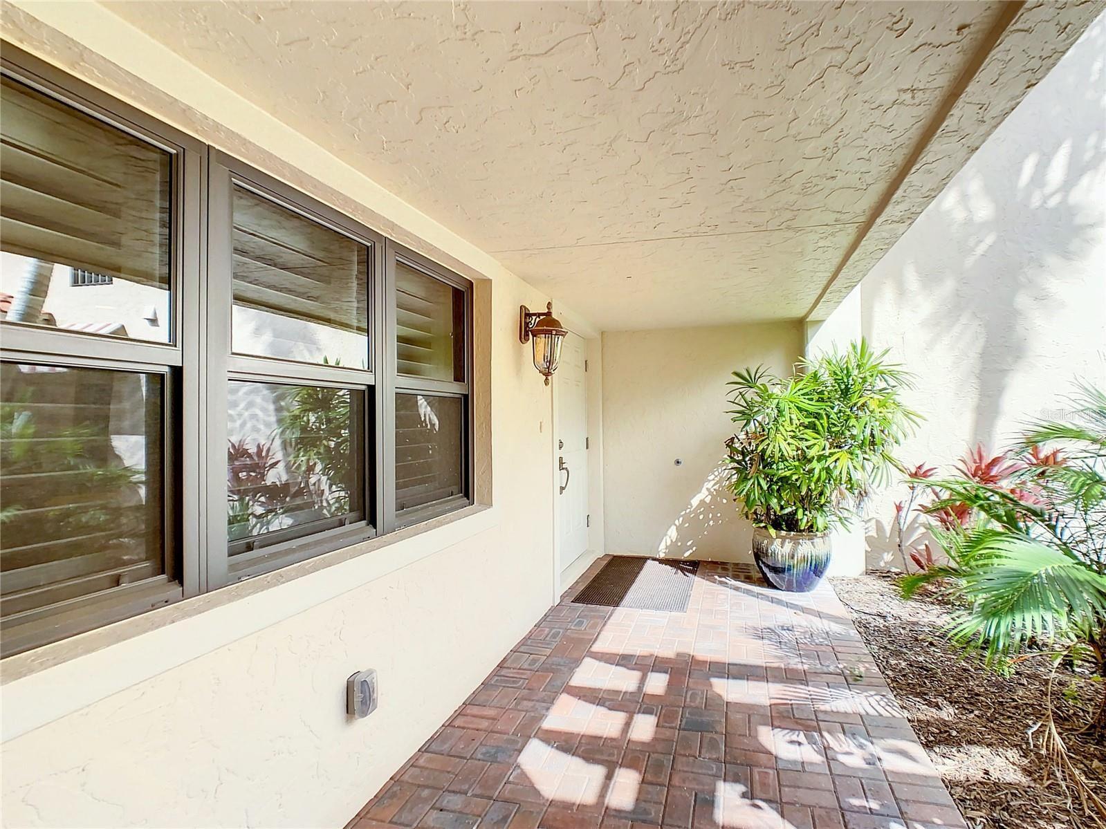 Photo of 718 GOLDEN BEACH BOULEVARD #4, VENICE, FL 34285 (MLS # N6118164)