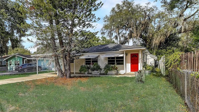 8305 N GREENWOOD AVENUE, Tampa, FL 33617 - #: T3305169
